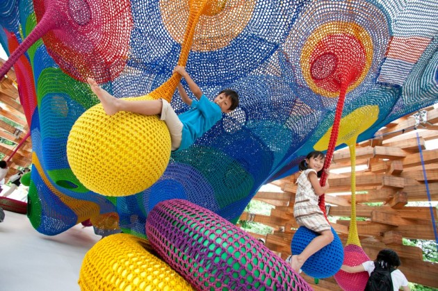 meet-the-artist-behind-those-amazing-hand-knitted-playgrounds-_mk090729_0014-1000x666